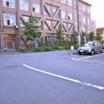 つきあたり大阪教育大学付属中高校舎を右折
